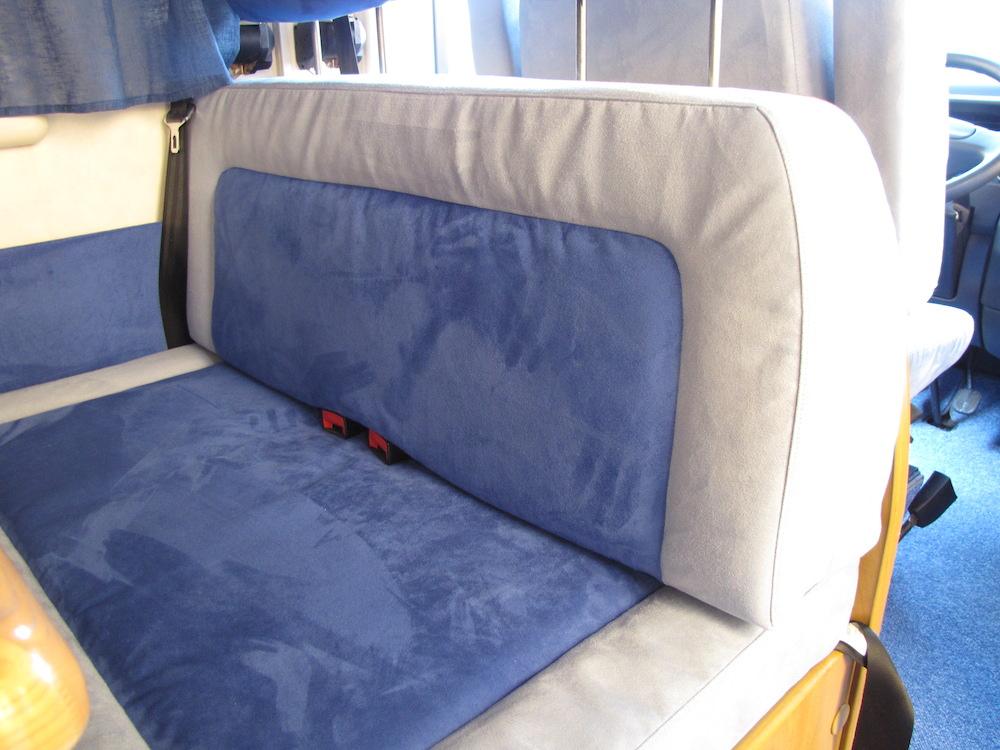 camper blu sedili dettaglio